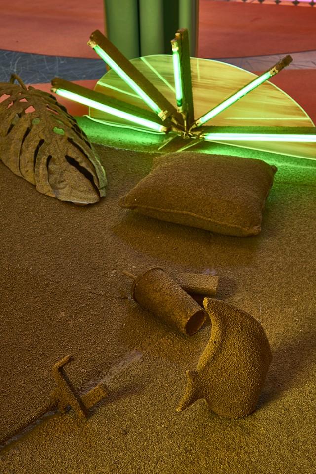 sculpture installation fossil