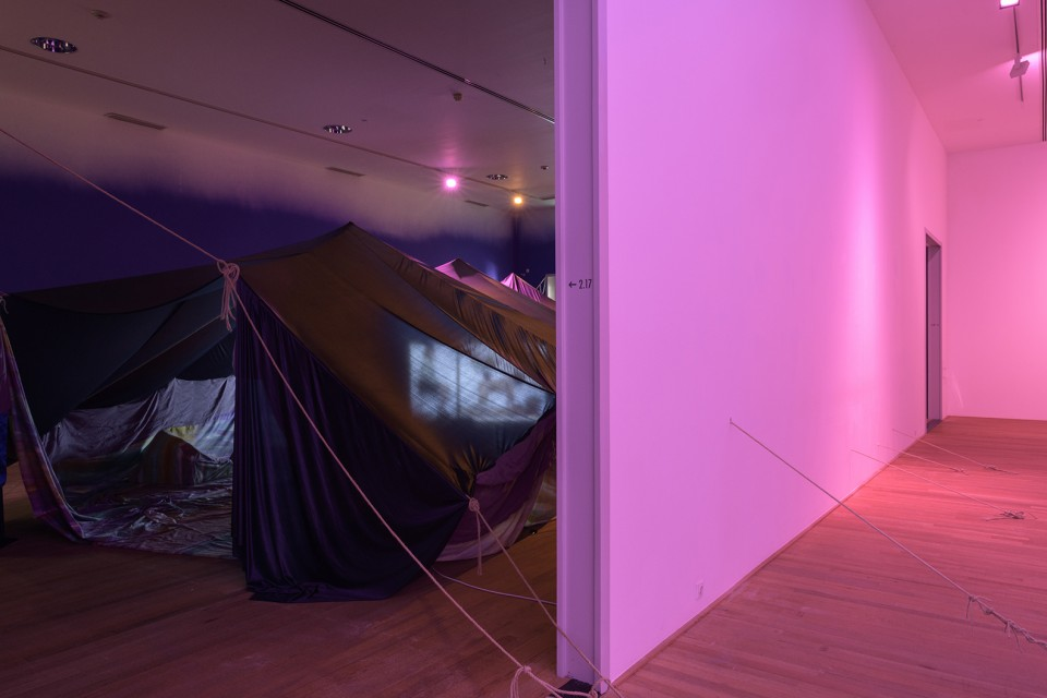 installation scenography tent