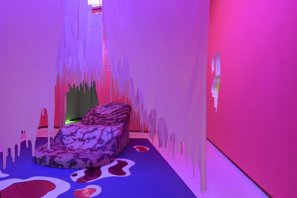 sculpture installation tongue sofa