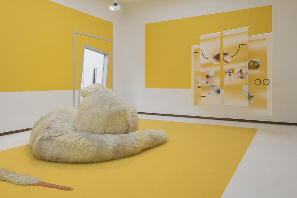 sculpture installation scenography sofa